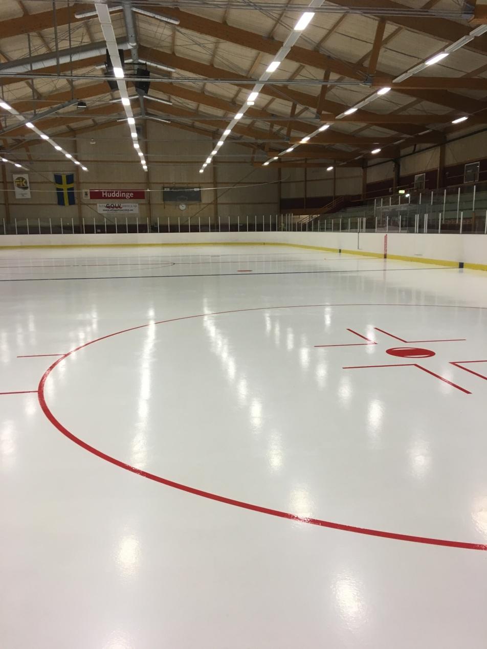 Bild på ishockeyrinken i Visätra/Huddinge som SpiceTec byggt