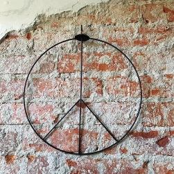 Peacemärke hängande