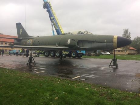 Tidig bild då A32 var avlyft från pelaren inne på FMTS
