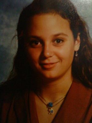 Emma Koroly 18 år. Innan jag blev bästa vän med mig själv.