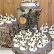Bröllopstårta med portionsbakelser
