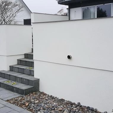 Mur & puts arbeten med en mur runt altanen.
