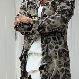 KARMAMIA Giraffe Ruffle Toupe Kimono
