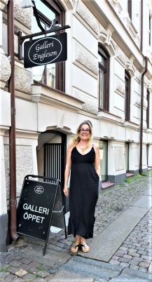 Me outside GALLERI ENGLESON in Gothenburg