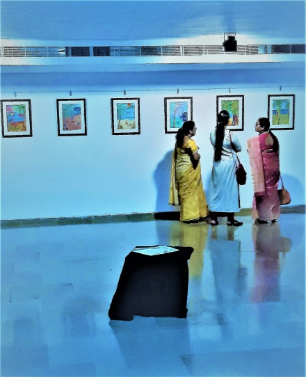 Three Indian Woman are some of the visitors deeply engaged in Freja´s Art world and Art work´s.