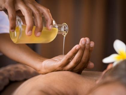 Ayurvedisk Abhyanga Massage – massage med varm olja – Lotta Bergqvist Ayurveda  hos Lotta Bergqvist på Gotland
