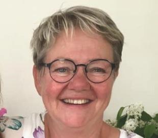 Lotta Bergqvist, kursledare,hälsorådgivare och energiterapeut. Jag tillämpar visdombåde från Ayurveda och den kinesiska medicinen.