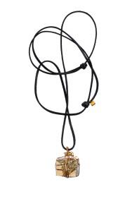 MÄRTA LARSSON | Bondage Pendant Pyrite / Gold Square