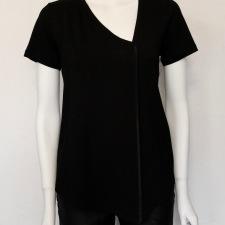 Maria Sjödin | NOIR – Asymetrisk T-shirt