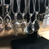 Halsband med hänge - Halsband med glasdroppe kristall