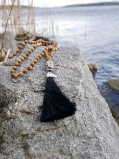 Mala Buddha metall - Mala Buddha svart tofs