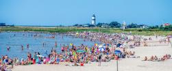 olofsbo strand - ett självklart val att besöka såväl sommar som vinter, sommartid solar och badar man och på höst och vinter tar man härliga promenader och fikar med medhavd varm choklad ...