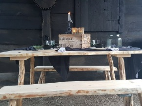 Set Bord och Tänkarbänkar