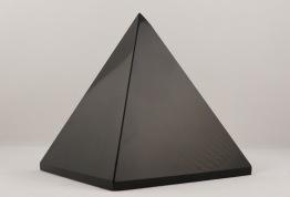 Obsidian pyramid | trumlade spets stav kristaller slipade stenar healing stenar chakra stenar - Priser mellan ca 725-1400kr/st, gram ca 490-935g, hög ca 8-10cm