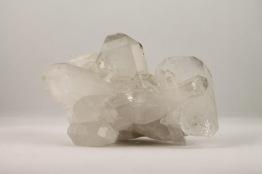 Bergkristall kluster | trumlade spets stav kristaller slipade stenar healing stenar chakra stenar - Priser mellan ca 100-1000kr/st, gram 30-1700g