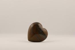 Tigeröga hjärta | trumlade spets stav kristaller slipade stenar healing stenar chakra stenar - Pris ca 135kr/st, gram ca 45g