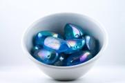 Aqua Aura kristaller/ädelstenar | trumlade spets stav kristaller slipade stenar healing stenar chakra stenar