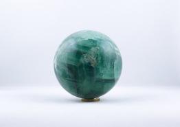 Fluorit klot/kula | trumlade spets stav kristaller slipade stenar healing stenar chakra stenar - Pris: ca 815-1175kr, Storlek: ca 7-9cm diameter
