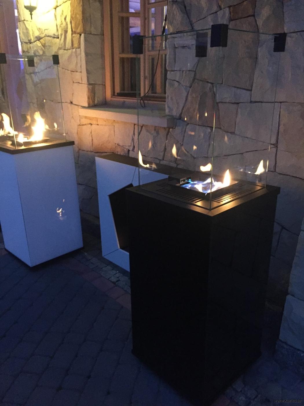 Uteplats gasvärmare_glaspanel svart_vitt