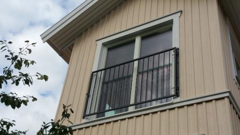 öppningsbar fransk balkong