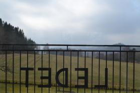 balkongräcke B6 med bokstäver
