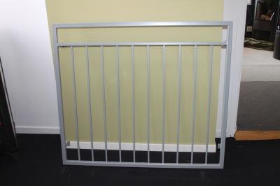 FRANSK balkongräcke B6 _ varmförzinkat_ pulverlackat_  RAL 9006 White aluminium_ 120cm C/C -