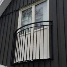 fransk balkong B6 halvrund_ svart (1)