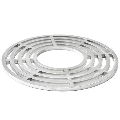 Artiss_ Gallret med ett hål för wok -