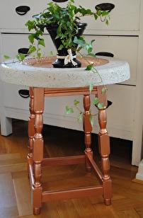 Betongbord med koppardetaljer, egen design