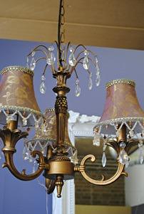Lampa med prismor & guldkänsla