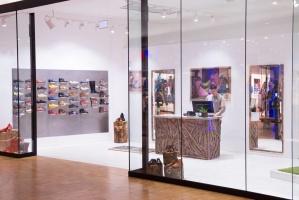 RR Konsult installerade belysning, el, data och högtalare i VIVOBAREFOOTs butiker