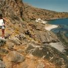 På vej fra Loutro mod Marmara Beach. Den lille bebyggelse dernede hedder Phoenix. Dér kan man faktisk køre til i bil, men det er en lang vej, og den er stenet.
