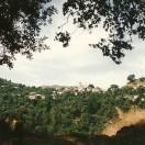 Laki ligger på en forhøjning nede mellem bjergsiderne, så der er mange fotovinkler.
