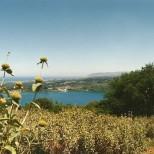 Også udsigt mod øst. Nu ligger søen Kournas dernede.