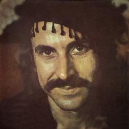 Nikos Xylouris, fra Anogia - døde i 1980, 43 år gammel, men har stadig status som Kretas største musikstjerne.
