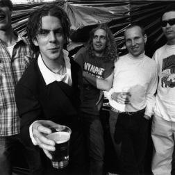 Nymphet Noodlers med Martin Hederos længst til venstre. Bandet fra Karlstad opløstes i slutningen af 1990'erne, men har været gendannet, bl.a. i 2017.