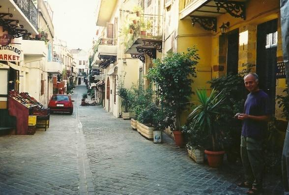 I 2002 boede jeg første gang - men ikke sidste - på det lille hotel Casa di Pietra lige op ad den venetianske mur længst mod nordvest i det indre Chania. Foto: Julie Breinegaard
