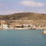 Karave, havnebyen, som knap nok kan kaldes by.