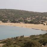 En af strandene på øens nordside, Lavrakas.