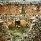 Ruiner har vel deres egen skønhed - her ved Anopoli.
