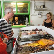 På fisketaverna med Lone og Poul (søster og svoger, Giorgioupoli 2013).