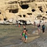 Badeglæde på Matalas bystrand.