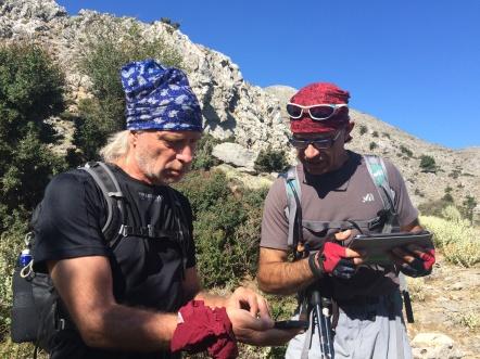 Vangelis var 14 år yngre end mig, bevægede sig en anelse hurtigere end mig, når det skulle være, og – måske vigtigst: Han kunne bruge en gps, når han skulle finde rundt i bjergene. Foto: Anne Wollter