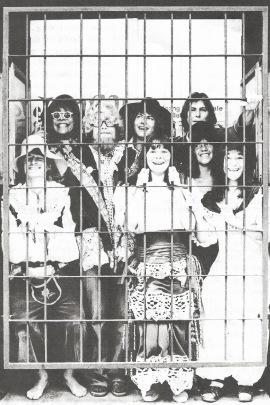 Jomfru Ane Band, som det blev præsenteret i 1977 – en blanding af skuespillere, musikere, forfattere og instruktører.