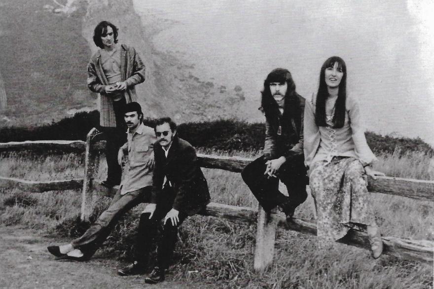 Steeleye Span fra sommeren 1970 til slutningen af 1971 – fra venstre Martin Carthy, Peter Knight, Ashley Hutchings, Tim Hart og Maddy Prior.