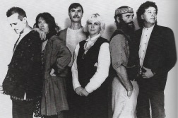 Steeleye Span midt i 1990'erne: Tim Harries, Maddy Prior, Peter Knight, Gay Woods, Liam Genockey og Bob Johnson.