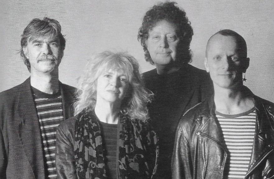 Steeleye Span havde aldrig tidligere bestået af så få som i 1998 – fra venstre Peter Knight, Gay Woods, Bob Johnson og Tim Harries, fire dygtige og kreative musikere.