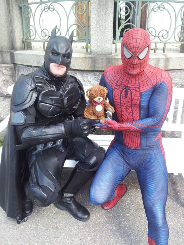 Batman & Spiderman besöker Nalles Resa