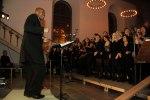 Medlemmar i Heliga Kors Gospel tillsammans med flera andra gospelkörer vid konsert i Karlshamn med Gerald T Smith. Foto: Martina Karlsson