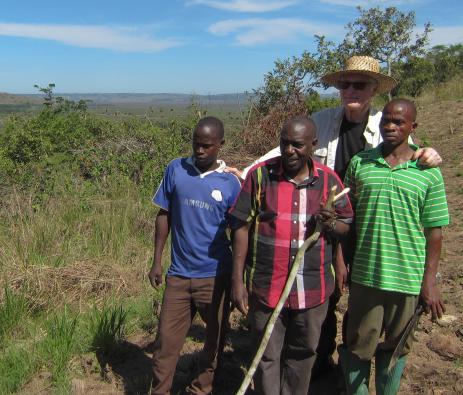 Gunnar Brycke tillsammans med tre av våra medarbetare